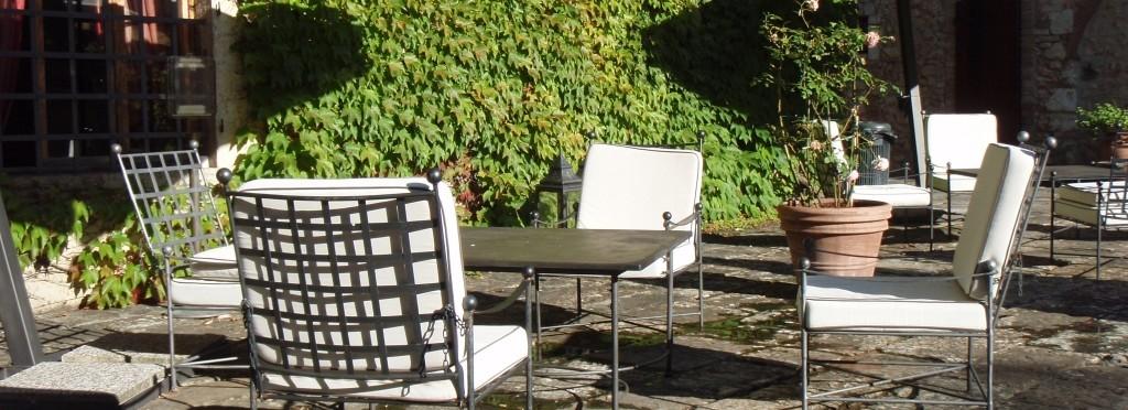 Mobili da giardino per ristoranti design casa creativa e for Ballard progetta mobili da giardino