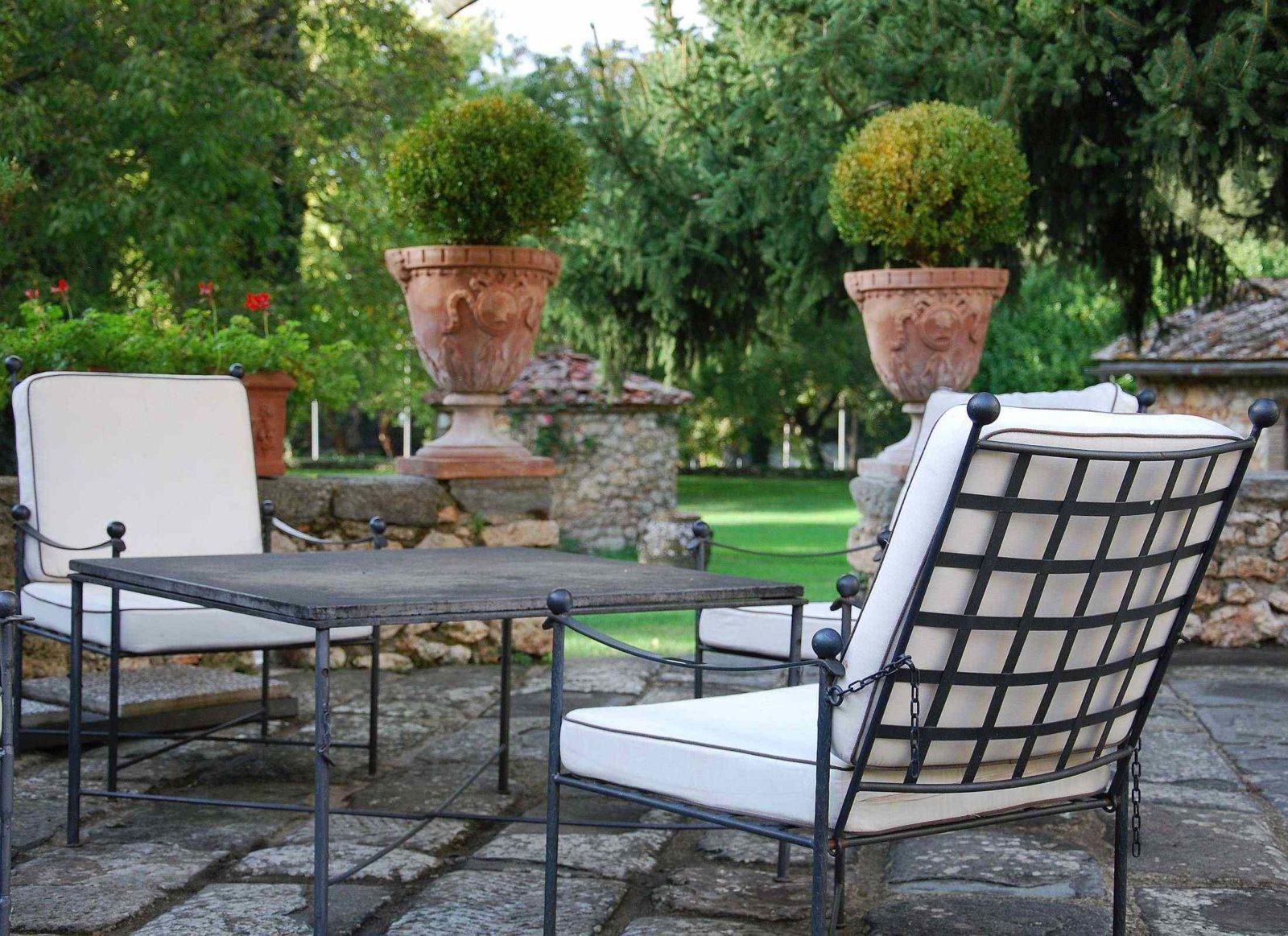 Salotto da giardino in ferro battuto